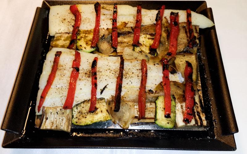 Bacalao a la brasa con verduras